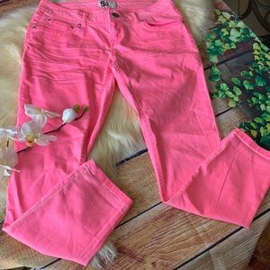 SO Junior's Neon Pink Ankle Pants Size 11